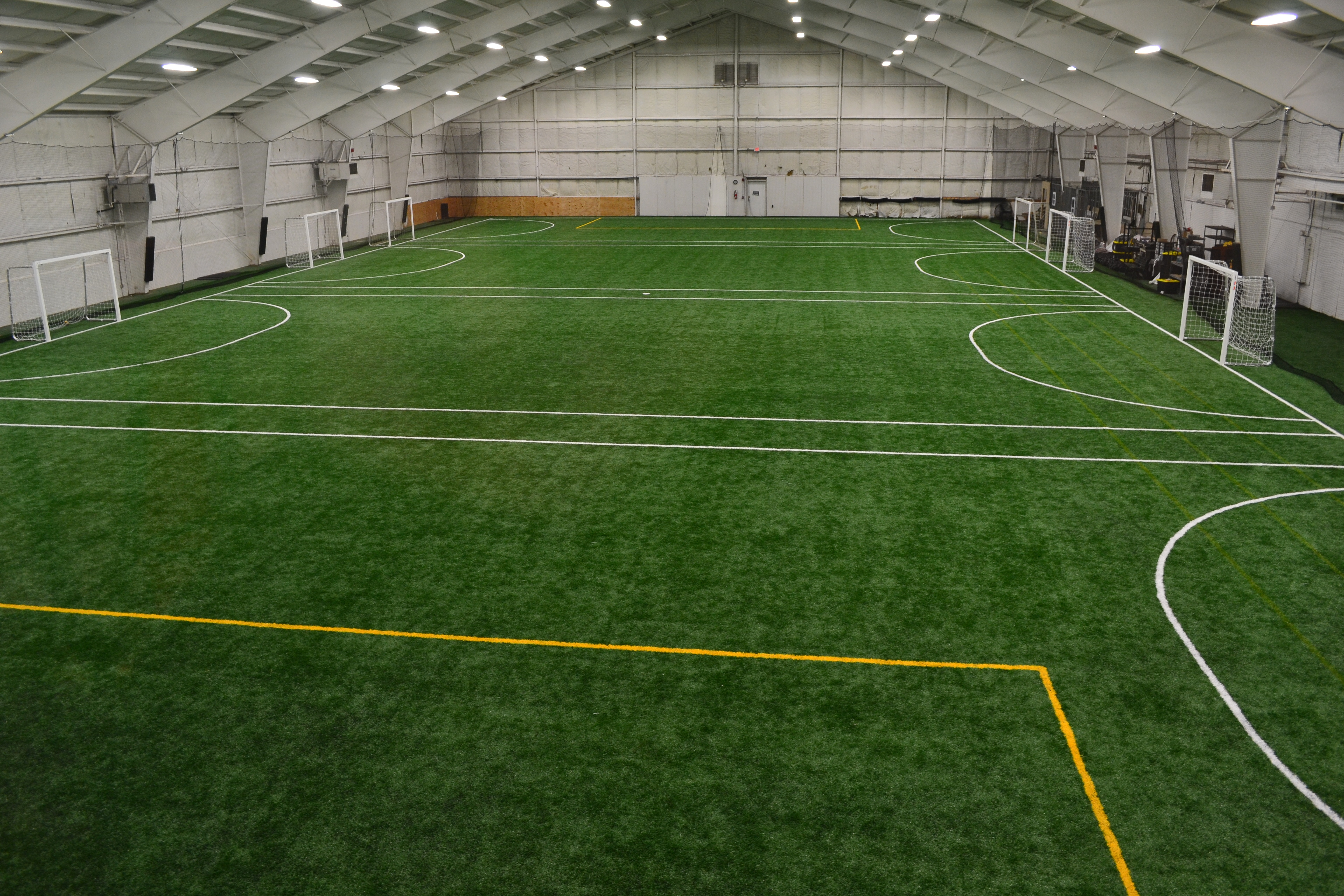 Nashville S Boost Fitclub Installs Shaw Sports Turf Indoor Field To Increase Offerings Image